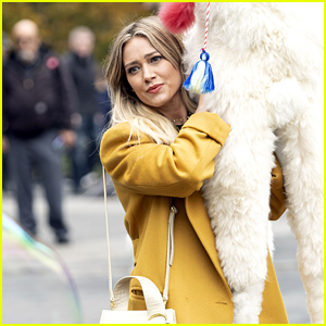 Hilary Duff On 'Lizzie McGuire' Reboot: 'We're Regrouping'