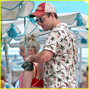 Ariel Winter Gets A Neck Massage From Luke Benward During Beach Outing