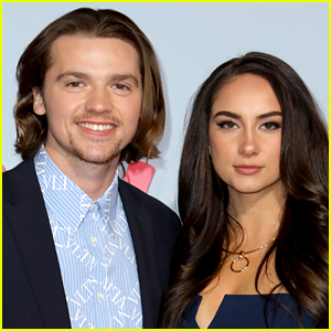 The Kissing Booth's Joel Courtney Marries Girlfriend Mia Scholink!