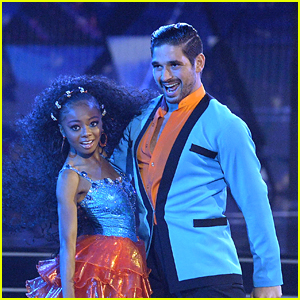 Skai Jackson & Alan Bersten Perform Samba For 'Dancing With The Stars' Week 2