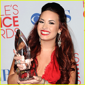 Demi Lovato Announced As Host For People's Choice Awards 2020!
