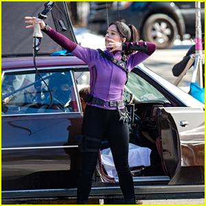 Hailee Steinfeld Shows Off Bow & Arrow Skills On 'Hawkeye' Set