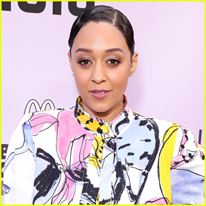 Tia Mowry-Hardrict Crushes Our 'Twitches' & 'Sister, Sister' Hopes & Dreams