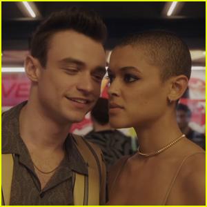 Thomas Doherty & Jordan Alexander Are Up to No Good in 'Gossip Girl' Revival Trailer - Watch!
