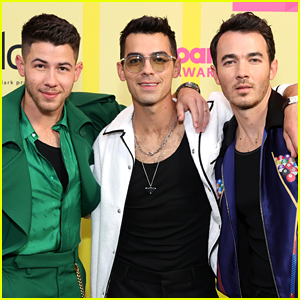 Jonas Brothers Celebrate Their Fans With New 'Remember This' Music Video - Watch!