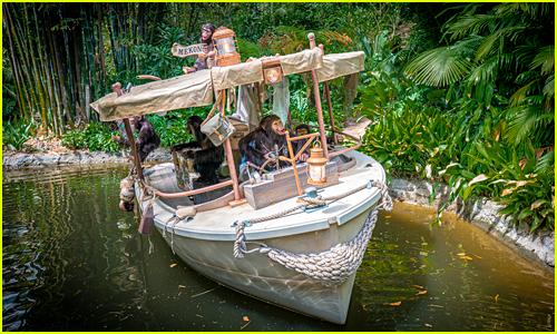 Jungle Cruise at Disneyland's new champanzees take over