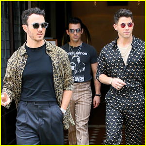 Jonas Brothers Head Out Together for a Day in NYC!