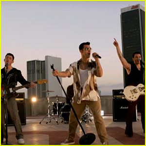 Jonas Brothers Switch Up 'Remember This' Lyrics For NBC's Olympics Closing Ceremony - Listen to the New Lyrics!