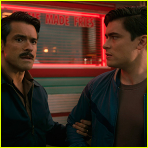 Mark Consuelos' Son Michael Guest Stars On 'Riverdale' As Young Hiram Lodge!