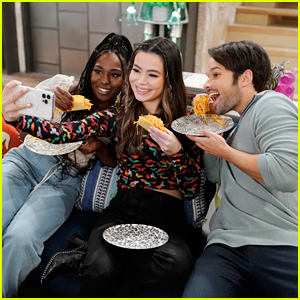 Miranda Cosgrove Cooks Up 'iCarly' Delicacy On This Week's Episode