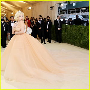 Billie Eilish Needed A Lot of Help With Giant Met Gala 2021 Dress!