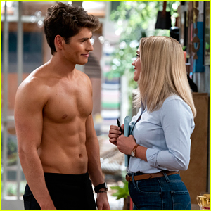 Gregg Sulkin Shows Off Ripped Body In 'Pretty Smart' Trailer with Emily Osment - Watch Now!