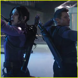Hailee Steinfeld Stars In 'Hawkeye' Trailer With Jeremey Renner - Watch Now!