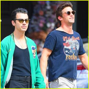 Joe Jonas Hangs Out with Daren Kagasoff in NYC