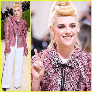 Kristen Stewart Wears Pink Ruffles For Met Gala 2021