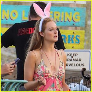 Elle Fanning Films Scenes for Her New True-Crime Series 'The Girl From Plainville'