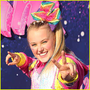 JoJo Siwa Says Her Iconic Bows Are On a 'Long Vacation'